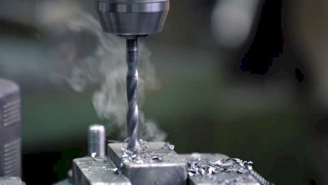 Khoan kim loại và các vấn đề kỹ thuật cần biết